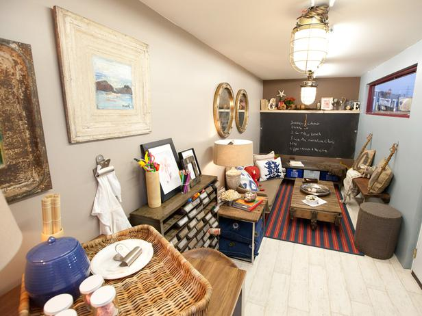 "Leslie Ezelle took the ""shipping"" in ""shipping container"" literally, designing a cluttered, nautical mess."