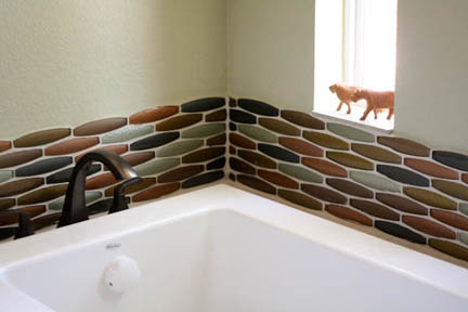 mid-century modern glass mosaic tile tub backsplash master bathroom austin tx