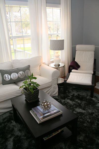 sm_white slipcovered sectional living room gray walls 3