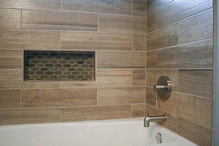 austin-geometric-mosaic-slate-wood-tile-tub-surround-bathroom2_web