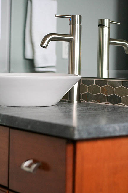 austin-teak-vanity-soapstone-counter-geometric-mosaic-slate-tile-backsplash_web