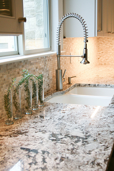 austin-white-kitchen-exotic-granite_web