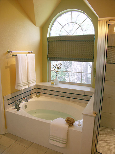 Do You Need A Tub In Your Master Bathroom Austin Interior Design - Master bathroom bathtubs