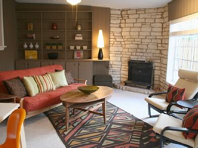 austin_vacation_rental_2_fireplace