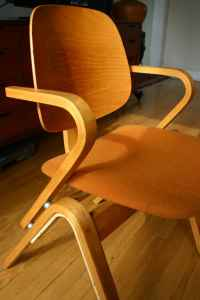 Bent wood Thonet chair, $125
