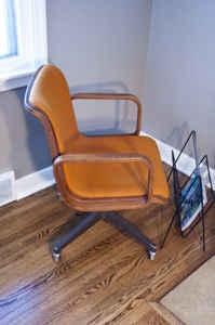 Bent wood Knoll desk chair, $45!