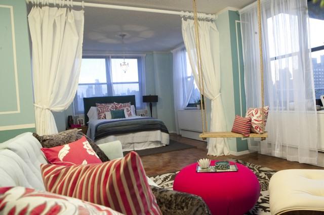 Nina/Dan's rope swing in their team's living room design.