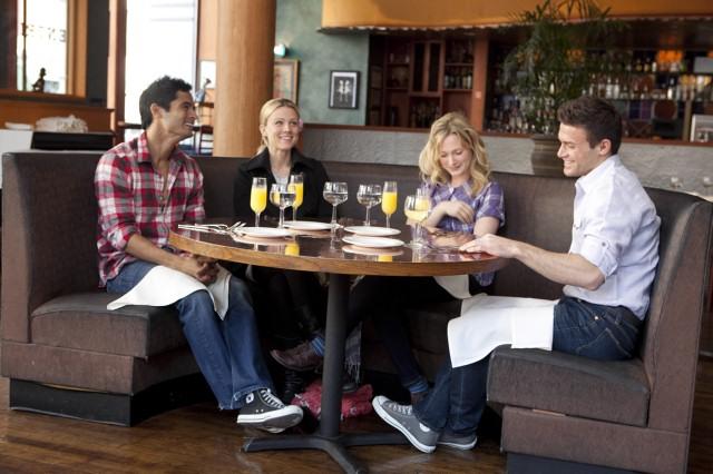 Hgtvs Design Star Season 5 Episode 8 Dine With Dash Austin