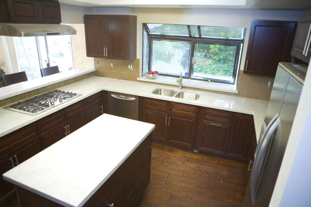 The tile backsplash in this Season 4 kitchen was still ungrouted when time was called.