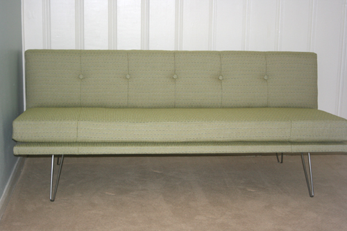 iron_thread_sofa_green