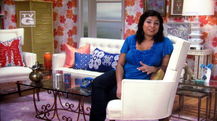 Aarti's on-air living room, taken off my teevee.