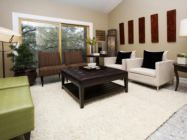 Living room designed by Leslie Ezelle.