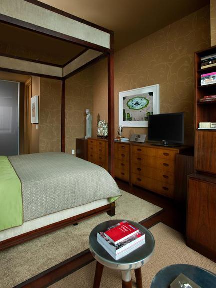 Urban-Oasis-2011-Bedroom_24-Wide-Shot-Toward-Bathroom_s3x4_lg