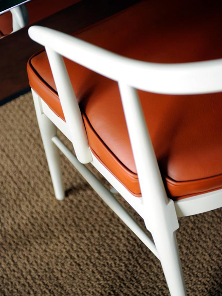 Urban-Oasis-2011-Living-Room_20-Dining-Chair_s3x4_lg