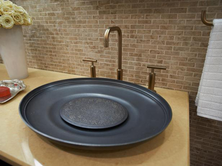 Urban-Oasis-2011-Master-Bathroom_02-Sink-Faucet_s4x3_lg
