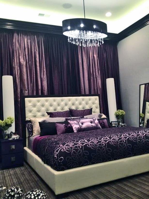 HSTAR7_Luca-Paganico-Purple-Vegas-Style-Hotel-Bedroom_s3x4_lg