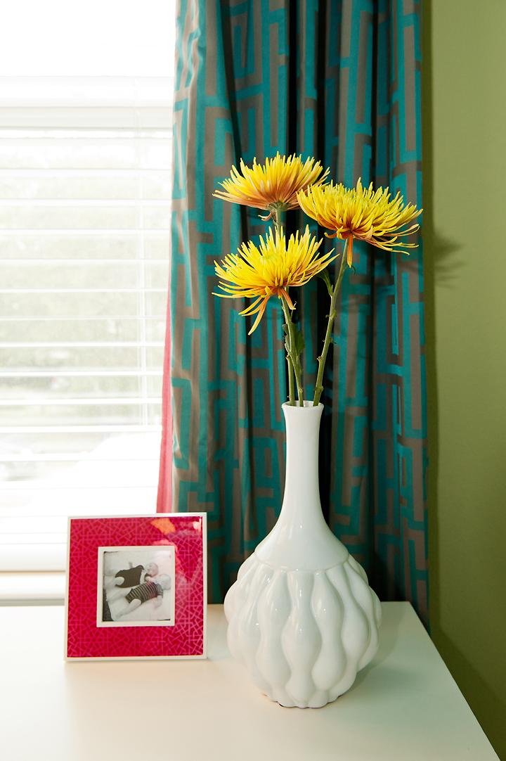 desktop-accessories-detail-white-vase-pink-frame teal greek key curtains