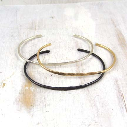 Hand-forged jewelry from Fail.