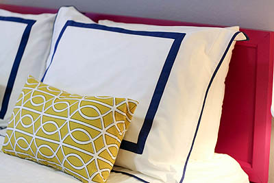 sm_navy blue hot pink yellow modern eclectic guest bedroom 4