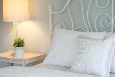 sm_simple white and gray guest bedroom 3