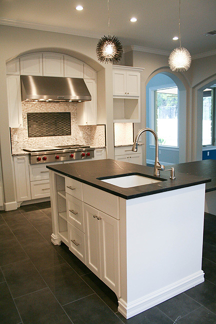 austin-white-kitchen-luxury-finishes-2_web