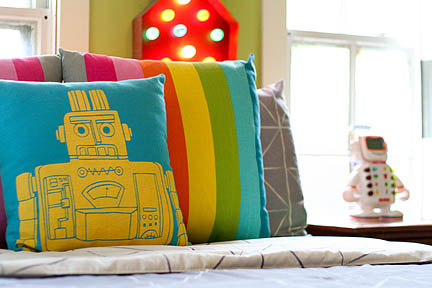 colorful-robot-bedroom-space-theme-04_web