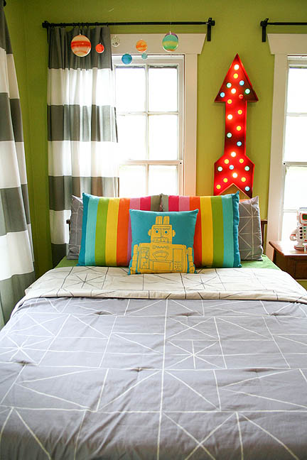 colorful-robot-bedroom-space-theme-05_web
