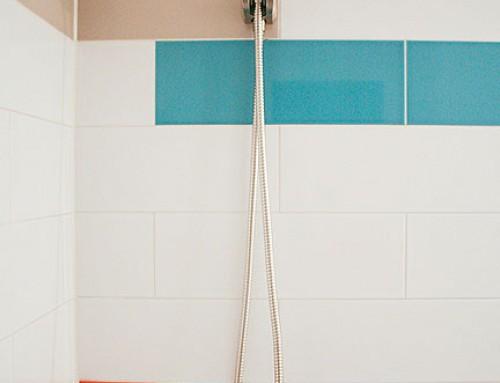 Bold Colors in a Modern Hall Bathroom Design